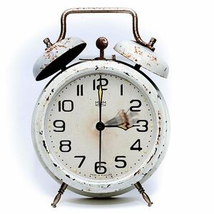 alarm-clock-the-summer-time-changeover-time-conversion-winter-time